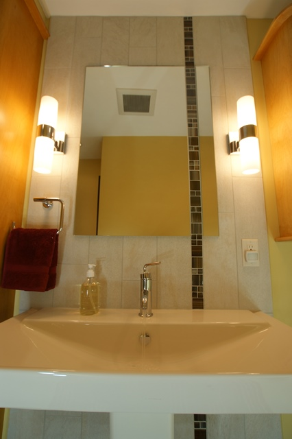 Award-Winning Retro Guest Bathroom