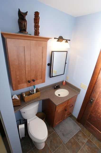 Craftsman Guest Bathroom