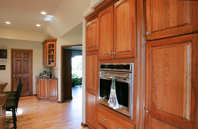Traditional Kitchen & Dining Remodel